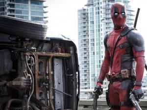 Ryan Reynolds w kostiumie Deadpoola