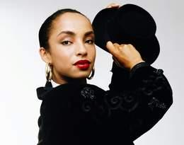 Niezwykła wokalistka Sade obchodzi dzisiaj 62. urodziny! Jakie naprawdę było jej życie?