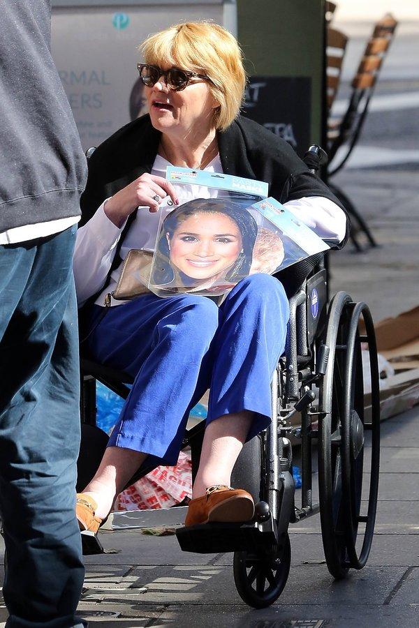 Samantha Markle, siostra Meghan Markle pod pałacem Kensington