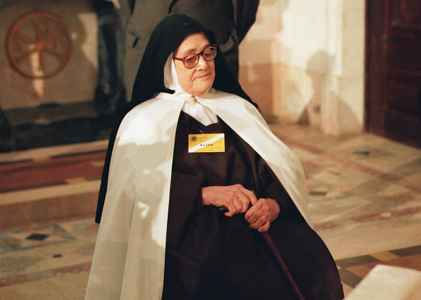 siostra Łucja, Lucia Santos