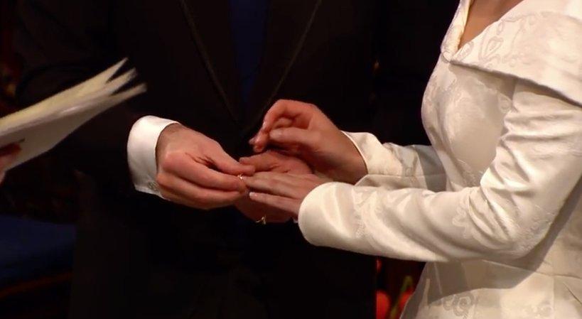 Ślub księżniczki Eugenii, obrączki, zakładanie obrączek