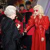 spotkanie królwej Elżbiety II z Lady Gaga