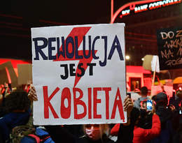 Strajk Kobiet: kolejny dzień protestów. Sparaliżowane miasta, tłumy pod Sejmem...
