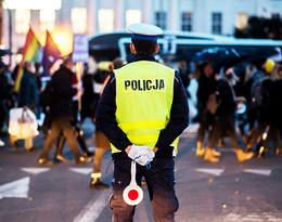 Strajk Kobiet: Policjanci z Krakowa dołączyli do manifestujących