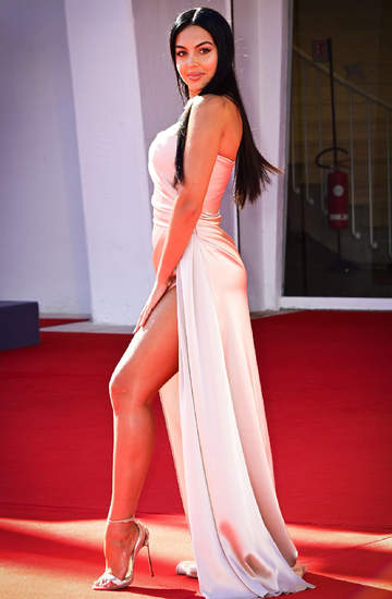 stylizacja-festiwal-wenecja-2020-Georgina-Rodriguez