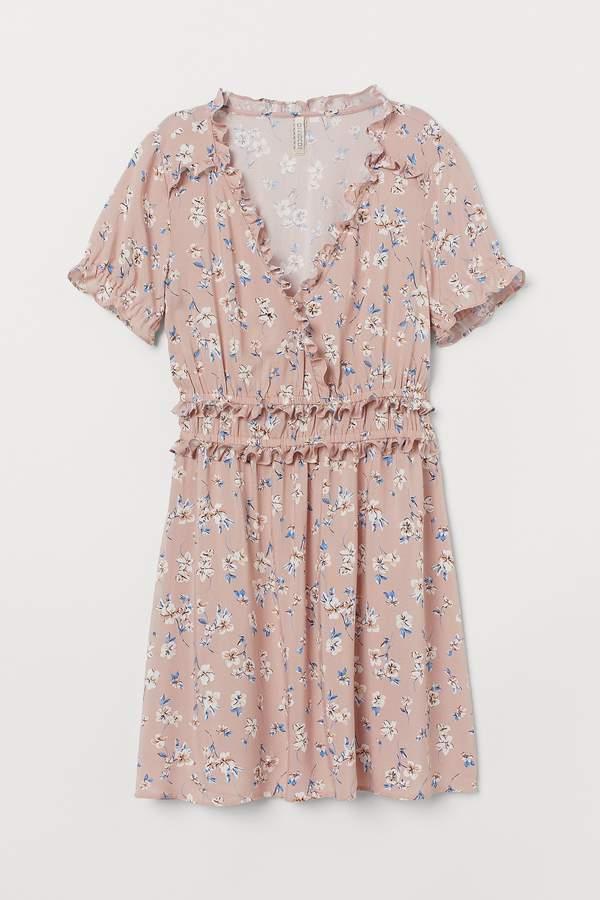 sukienka-z-falbankami-hm-na-lato-2020