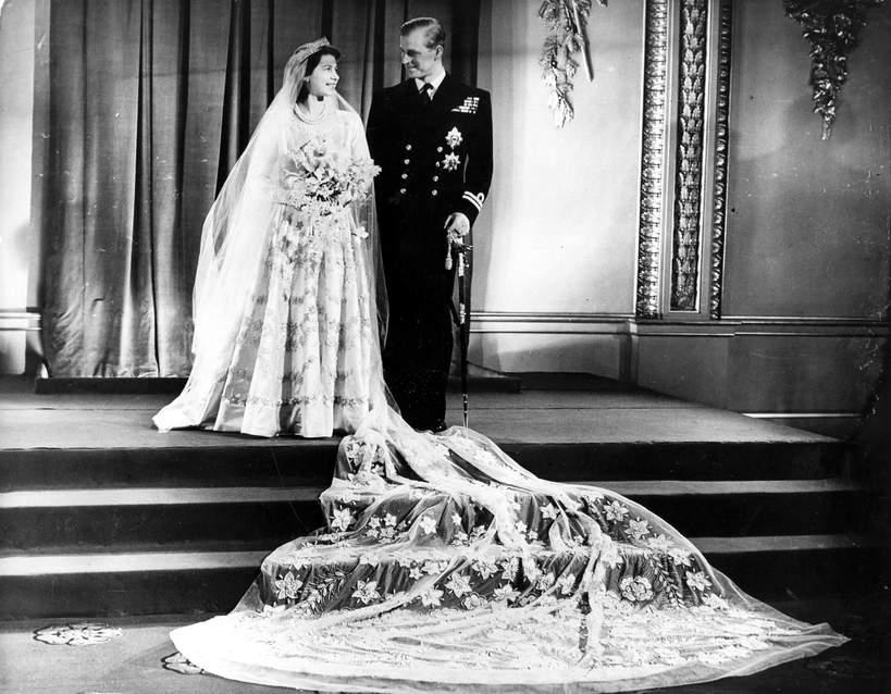 Suknia ślubna królowej Elżbiety II