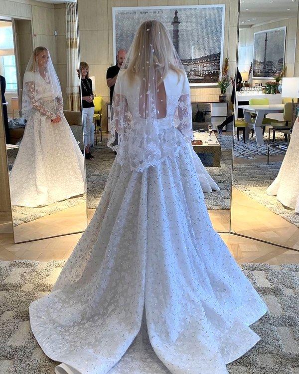 suknia ślubna, Sophie Turner