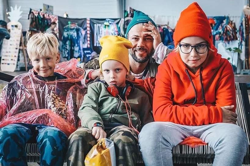 Synowie Karoliny Malinowskiej i Oliviera Janiaka