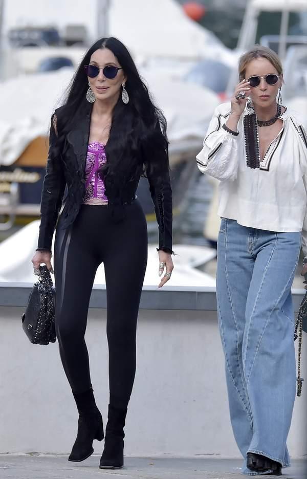 szczupła Cher
