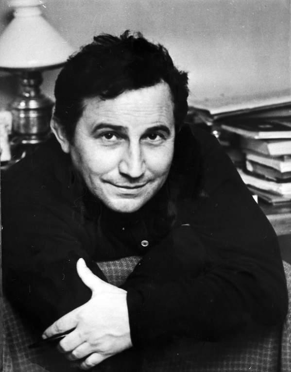 tadeusz Różewicz w latach 60.