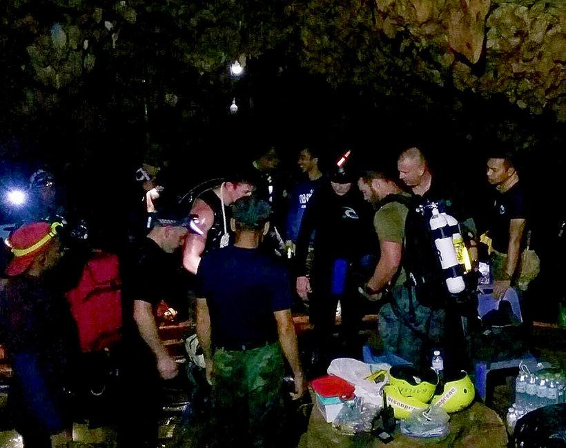 Tajskie dzieci uwięzione w jaskini