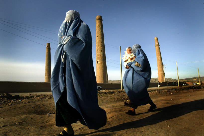 Talibowie przejęli władze w Kabulu. Co grozi afgańskim kobietom?