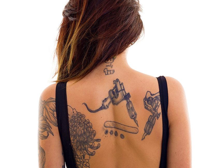 tatuaże świecące w ciemności