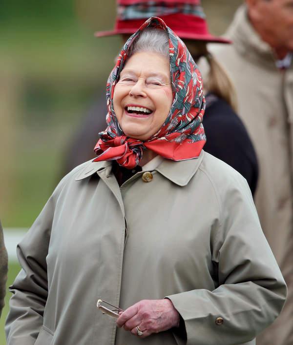 Teorie spiskowe o brytyjskiej rodzinie królewskiej: sekret długowieczności Elżbiety II