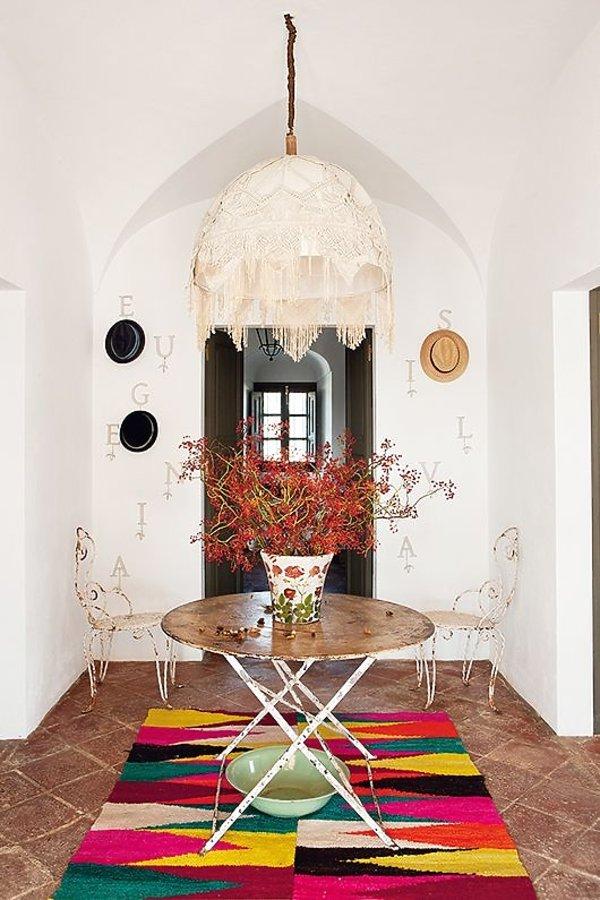 TOP 5 - wnętrzarskie trendy na jesień: kolorowe dywany