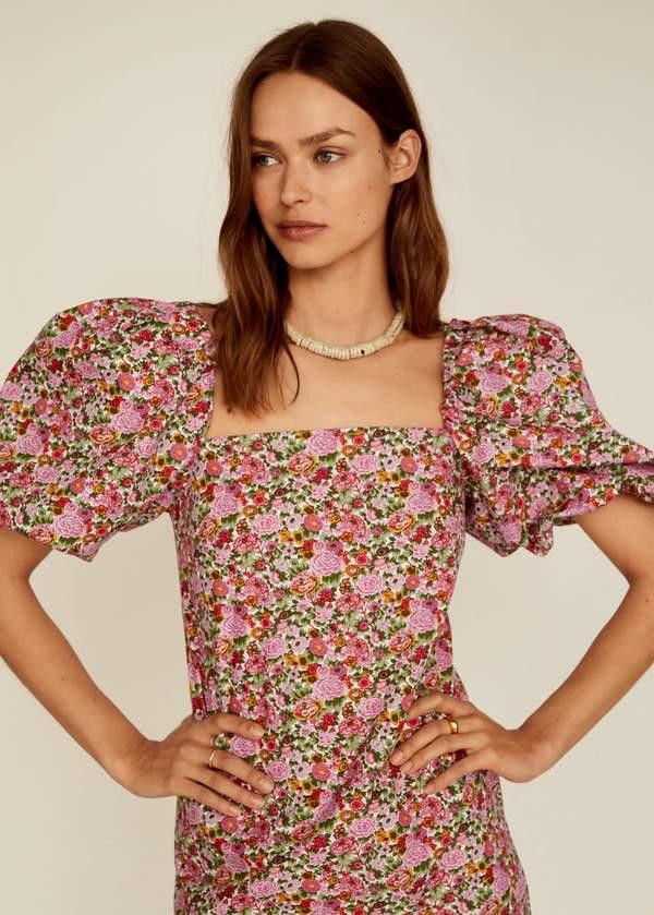 trendy-2020-najpiekniejsze-sukienki-we-wzory-z-zara-i-mango