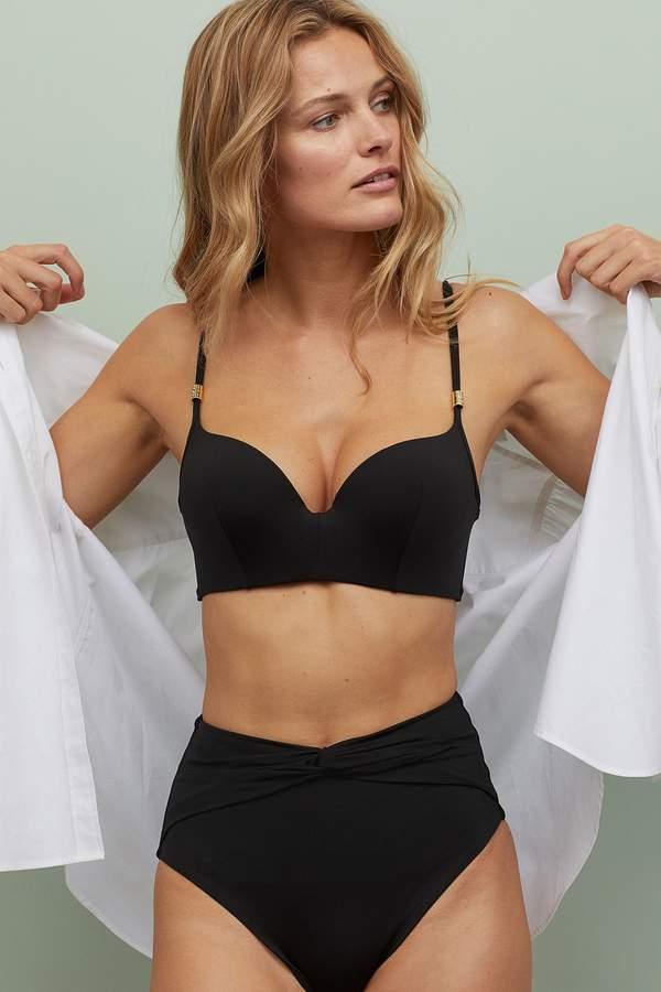 trendy-jak-wybrac-idealny-stroj-kapielowy-i-bikini-na-szerokie-biodra-i-duzy-biust-modne-modele-znajdziesz-w-hm
