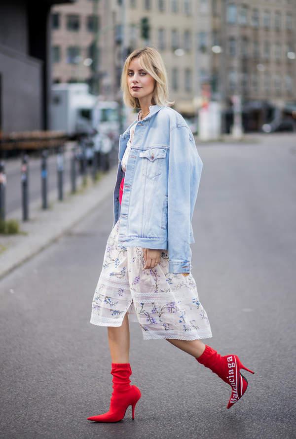 trendy-lato-2020-kurtki-jeansowe-z-zara