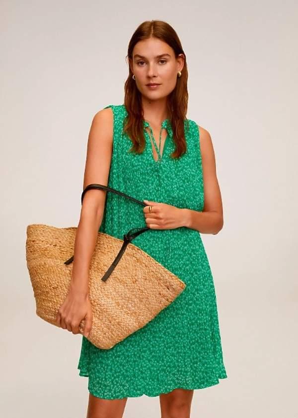 trendy-lato-2020-najpiekniejsze-sukienki-we-wzory-z-zara-i-mango
