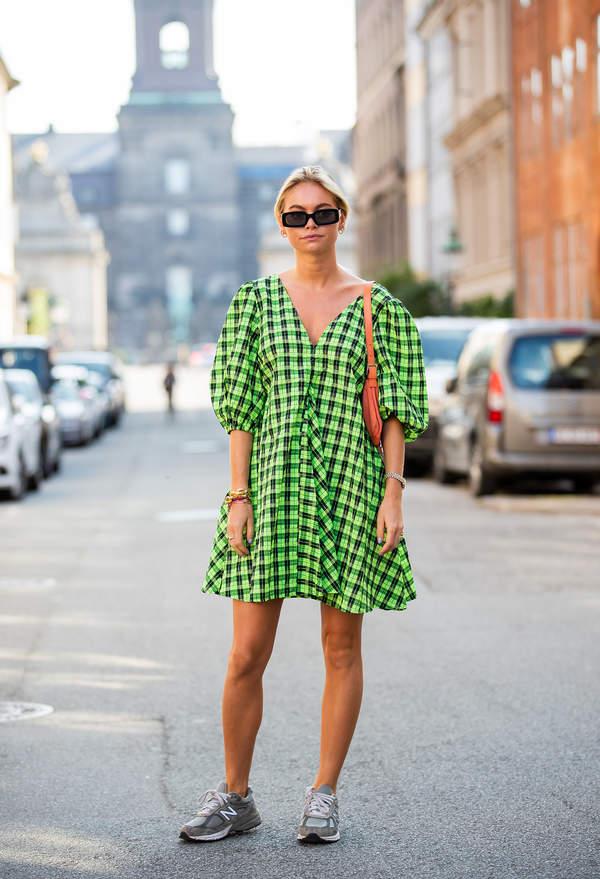 trendy-na-lato-2020-jak-nosic-modna-sukienke-typu-babydoll-ten-fason-to-hit-sezonu