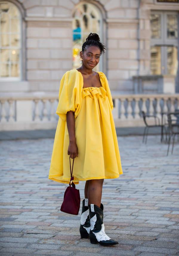 trendy-na-lato-2020-jak-nosic-modna-sukienke-typu-babydoll-ten-fason-to-hit-sezonu4