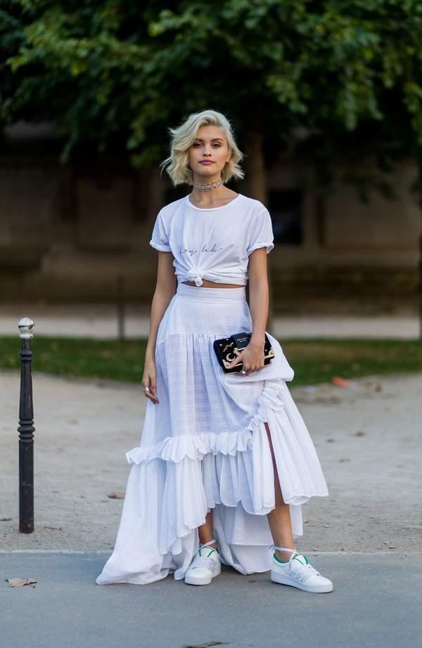 trendy-na-lato-2020-jak-stylizowac-oversizowe-koszule-i-topy9