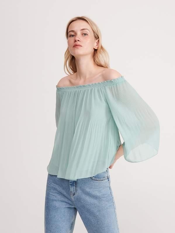 trendy-na-lato-2020-modne-koszule-z-odkrytymi-ramionami-z-zara-hm-i-reserved-od-29-99-zl