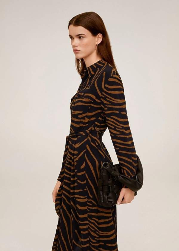 trendy-na-lato-2020-najpiekniejsze-sukienki-we-wzory-z-zara-i-mango