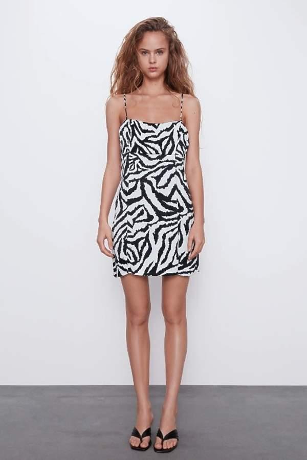 trendy-na-lato-2020-najpiekniejsze-wzorzyste-sukienki-w-modne-wzory-z-zara-i-mango2
