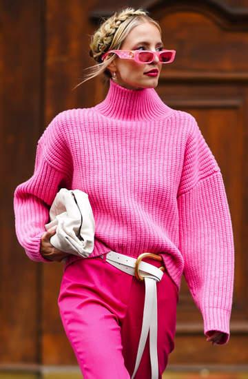 trendy-na-wiosne-2021-najmodniejsze-swetry-i-kardigany-na-wiosne-2021
