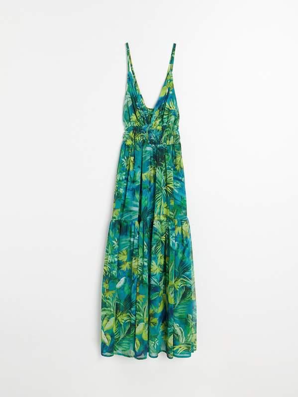 trendy-wiosna-lato-2020-jennifer-lopez-w-zjawiskowej-sukience-versace-w-reserved2