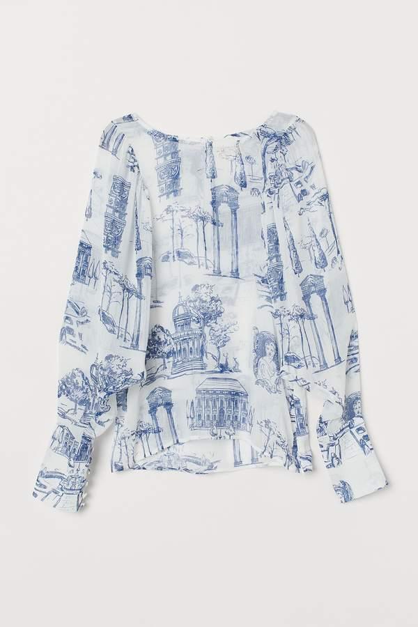 trendy-wiosna-lato-2020-kinga-rusin-w-modnej-plisowanej-spodnicy-z-hm