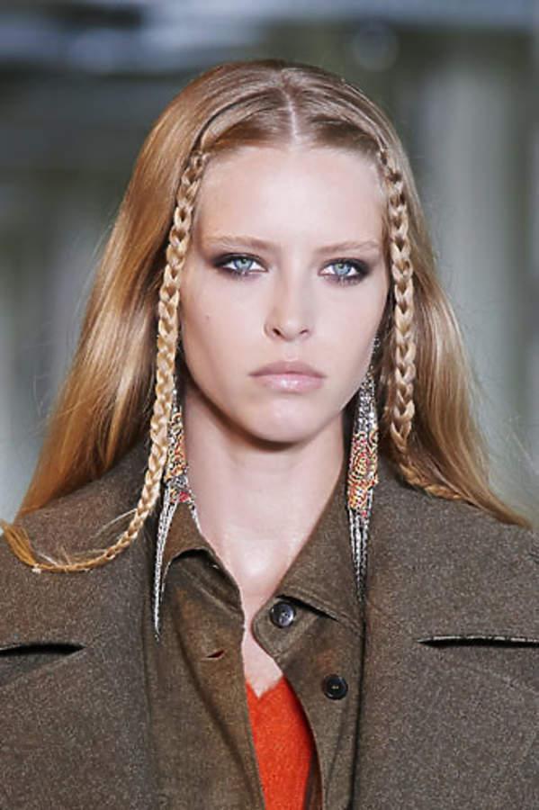 trendy włosy jesień zima 2021/2022 warkocze