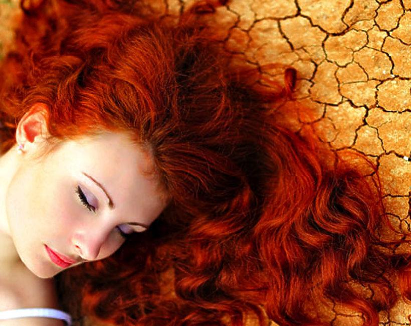 uroda, domowe sposoby na suche włosy