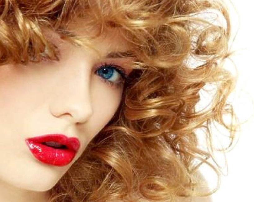 uroda, jak dbać o kręcone włosy