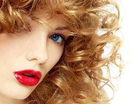 Jak dbać o kręcone włosy? Krótki przewodnik dla zakręconych!
