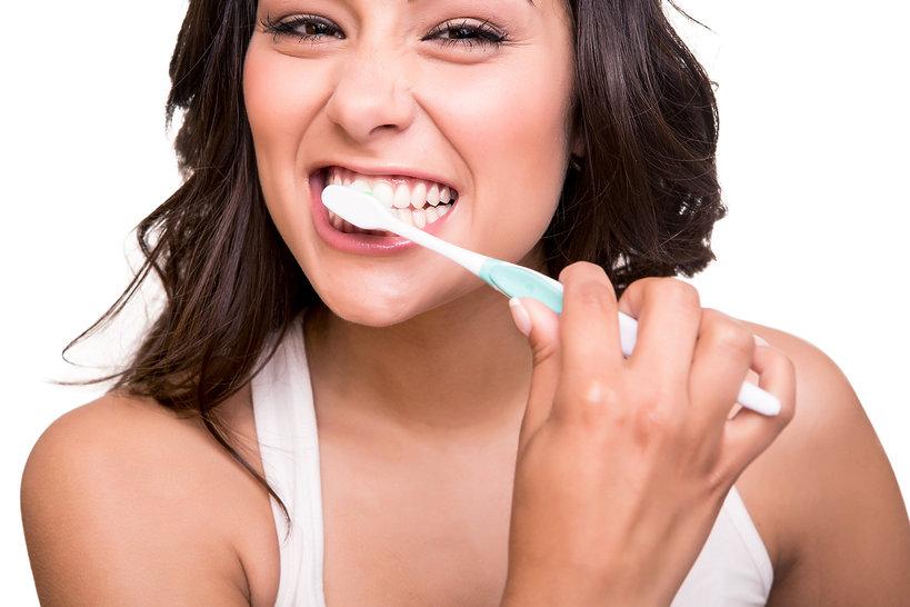 uroda, jak wybielić zęby domowymi sposobami?