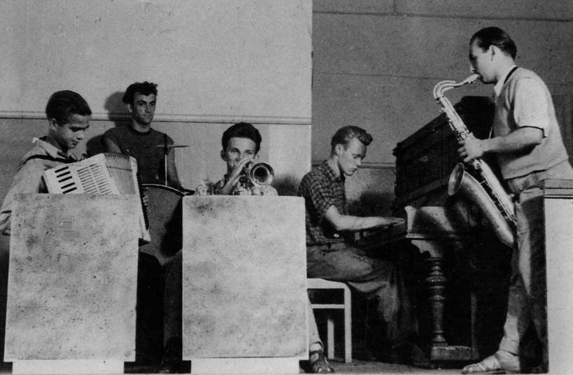 Ustronie Morskie 1958. Koncert zespołu jazzowego Melomani.