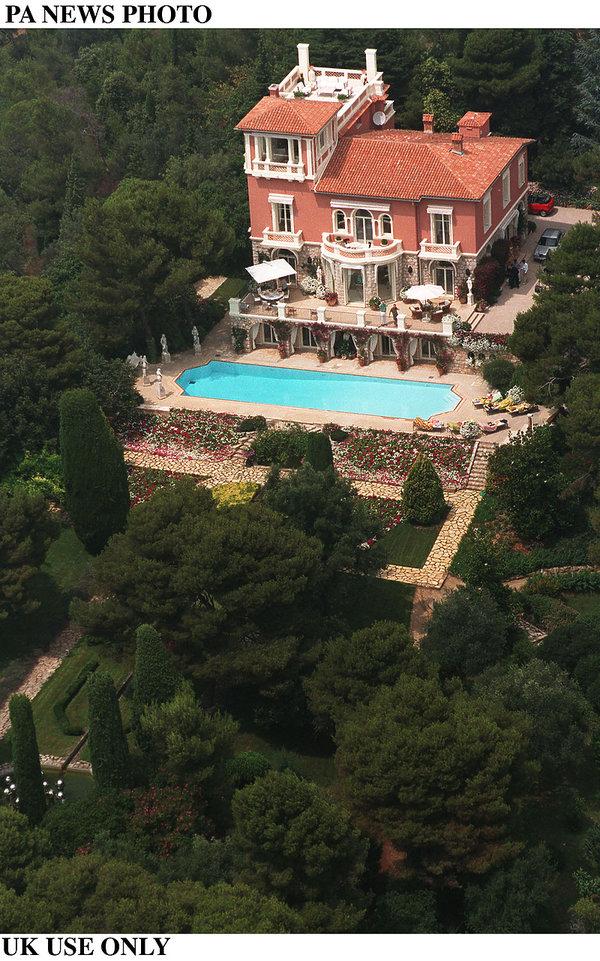 Willa Eltona Johna we Francji, Dom Eltona Johna