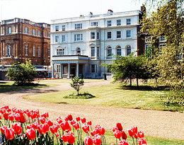 Gdzie mieszkają książę Karol i księżna Camilla? Zobacz wnętrza Clarence House
