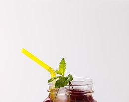 Woda z wiśniami, cytryną i miętą