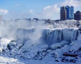 Wodospad Niagara wygląda jak kadry z Krainy Lodu! Cud natury zaczyna zamarzać...