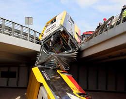 Znana jest prawdopodobna przyczyna wypadku autobusu w Warszawie. Co z jego kierowcą?