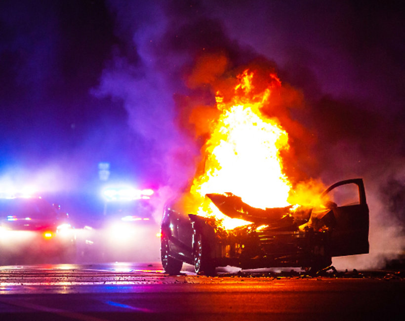 wypadek, pożar, społeczeństwo, bohaterski czyn Polek - wyciągnęły ludzi z płonących samochodów