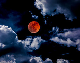 To się zdarza się raz na sto lat! Widziałaś całkowite zaćmienie Księżyca?