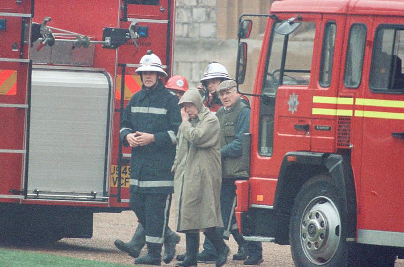 Zamek w Windsorze pożar królowa