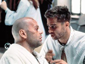 zdjęcie z 12 małp. Bruce Willis, Brad Pitt, Terry Gilliam