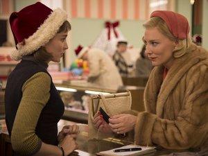 zdjęcie z filmu Carol. Cate Blanchett, Rooney Mara. Gutek Film