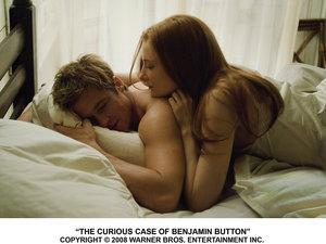 zdjęcie z filmu Ciekawy przypadek Benjamina Buttona. Cate Blanchett, Brad Pitt
